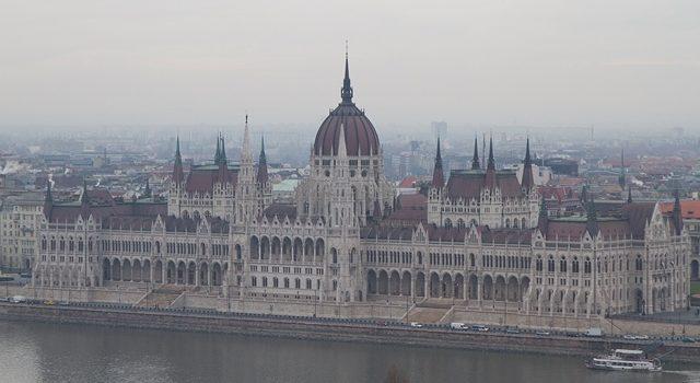 Budapest I: Parlamento, Buda y Baños Gellert.