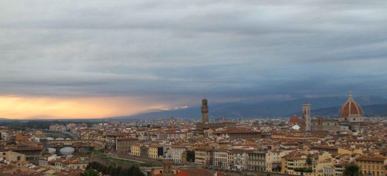 Comer y beber en Florencia.