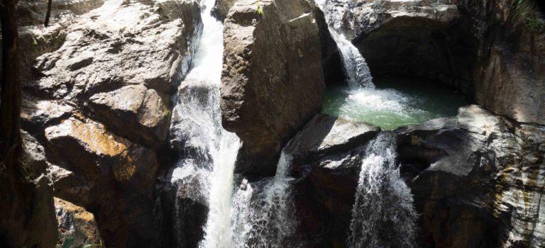 Qué ver en Flores: Cunca Wulan y Batu Cermin.