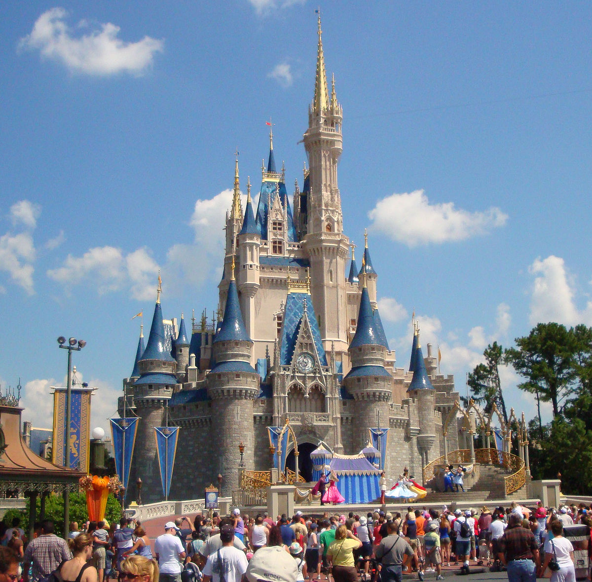 Cinderella_castle_2008