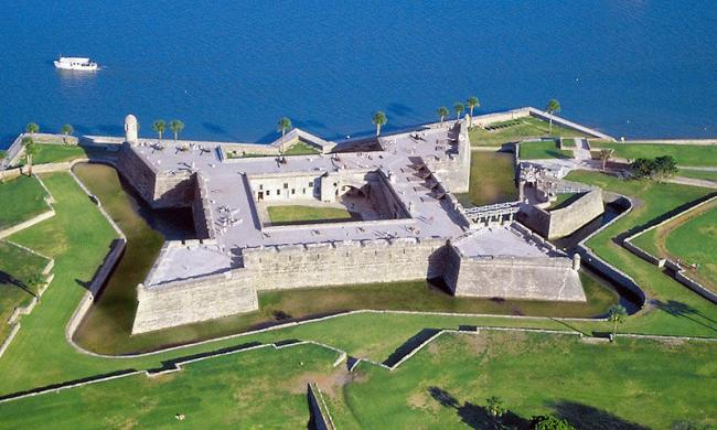 castillo_west_aerial_5x3