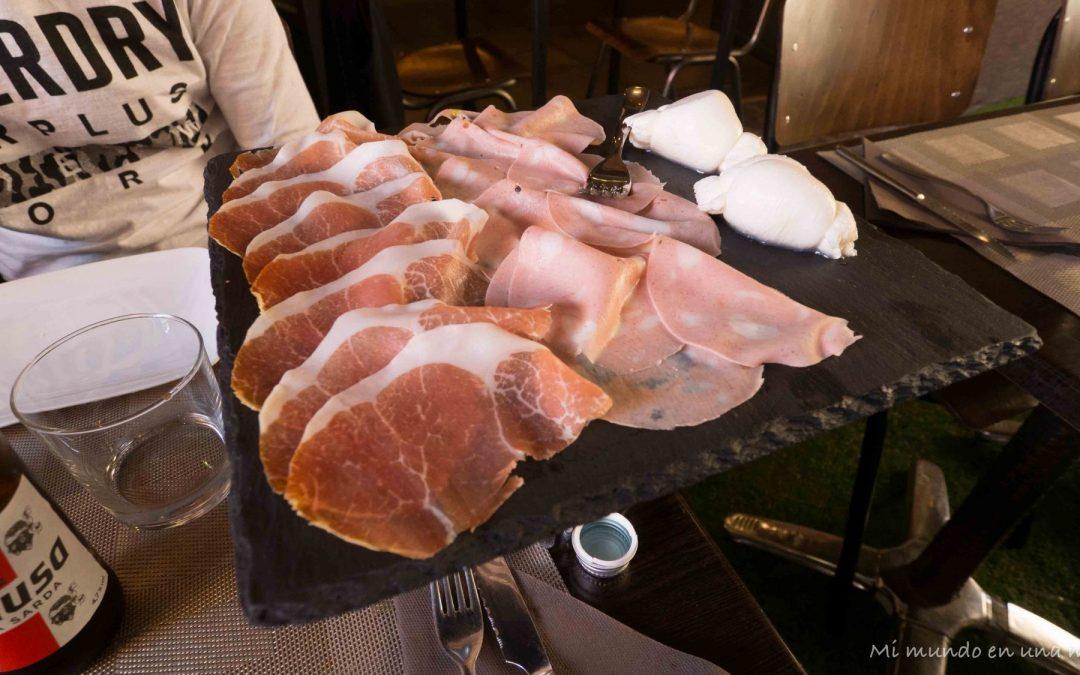 Comer y beber en Bolonia.