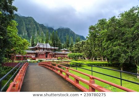 byodoin-temple-sits-foot-koolau-450w-239780275